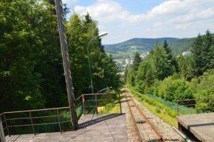 Widok z górnej stacji kolejki na Górę Parkową