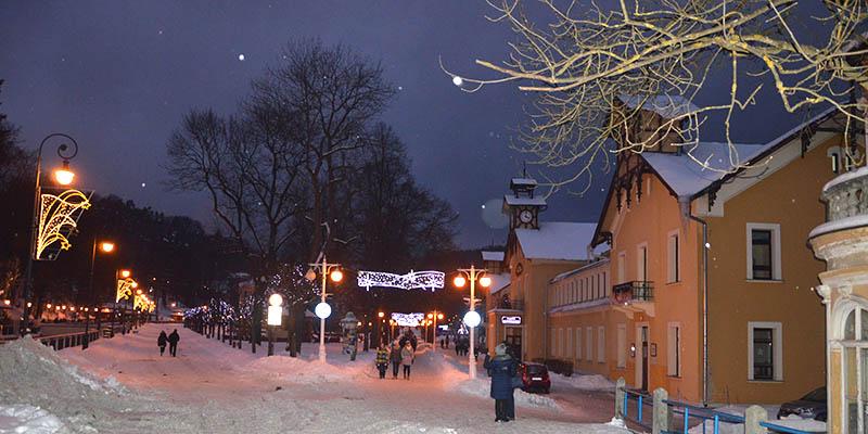 Krynica-Zdrój zimą - wejście na Deptak